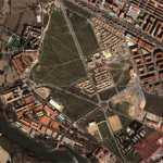 La zona de la Vega Baja, en una imagen aérea. En color rojo, el Circo Romano (área que ocupaba)