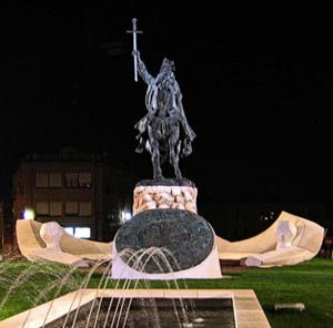 Alfonso VI, estatua a la entrada de Toledo
