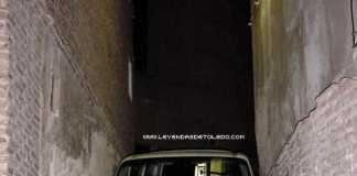 Furgoneta atrapada en Toledo