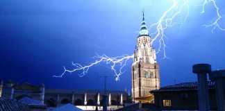 Tormenta sobre Toledo, por Nano Lázaro