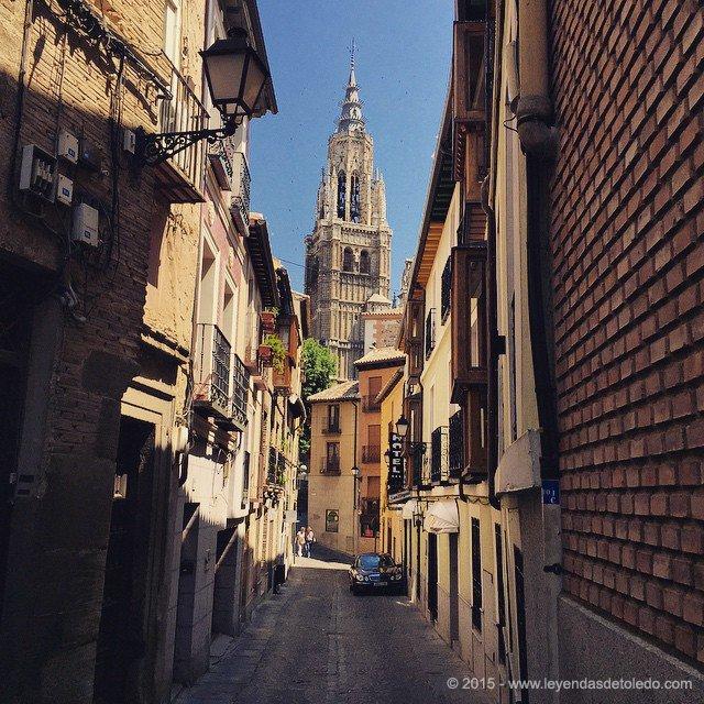 La Catedral de Toledo desde la Calle Santa Isabel