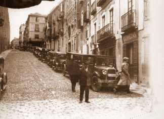 Subida de Carlos V junto a Zocodover a comienzos del siglo XX