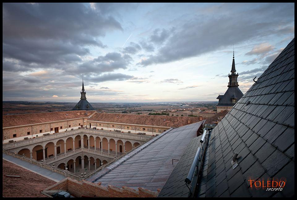Tejados del Alcázar de Toledo por David Utrilla