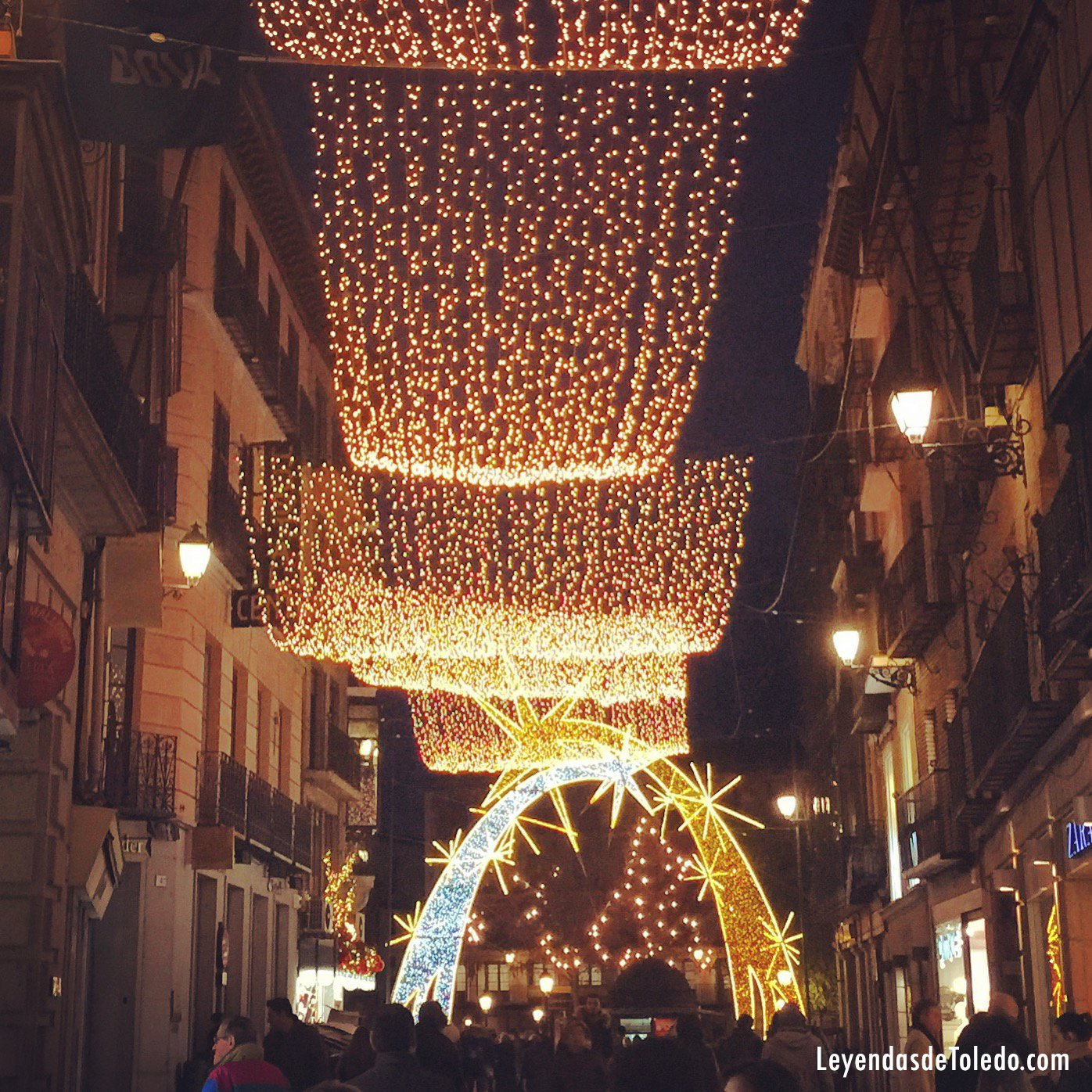 Toledo en el puente estará adornado con miles de luces por Navidad