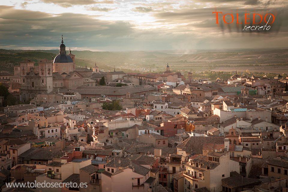 Panorámica de Toledo al atardecer por David Utrilla