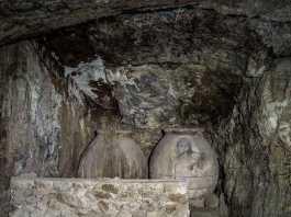 Cueva que se visita en una ruta nocturna por Toledo