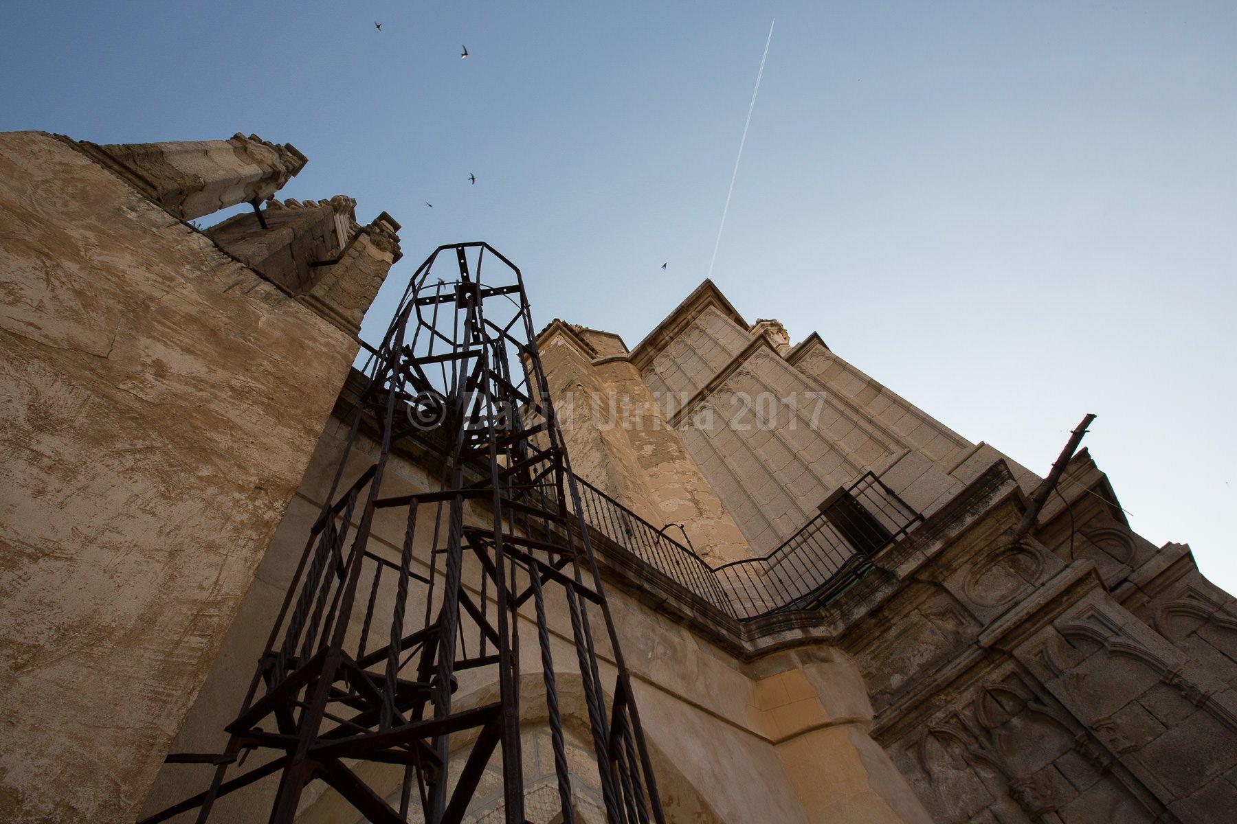 Escalera exterior en la Catedral de Toledo