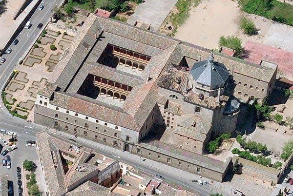Vista aérea del Hospital Tavera ó de San Juan Bautista donde se encuentra el cuadro del II Marqués de las Navas. Imagen Fundación Casa Ducal de Medinaceli