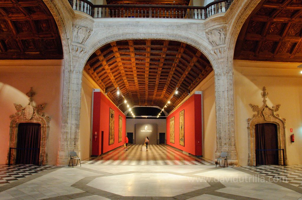 Naves interiores del Museo de Santa Cruz en Toledo