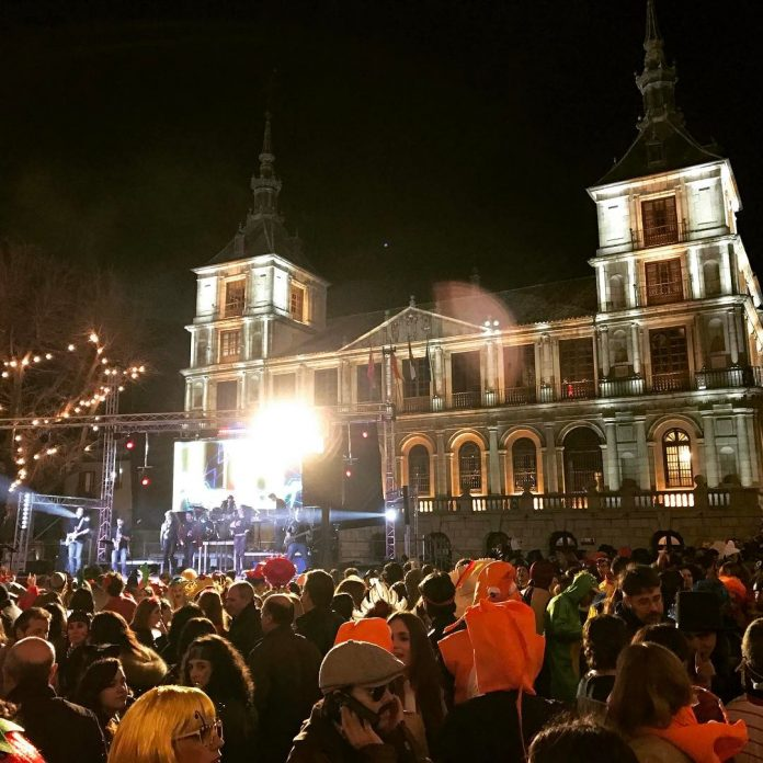 Carnaval en Toledo. Verbena en la Plaza del Ayuntamiento 2017