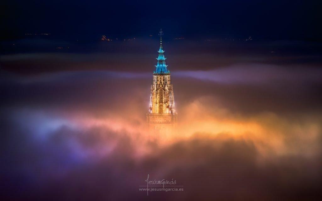 Niebla en Toledo por Jesús M. García