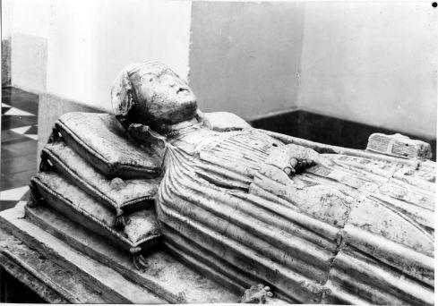 Sepulcro de La Malograda en la Iglesia de San Pedro Mártir de Toledo. Fondo Rodríguez