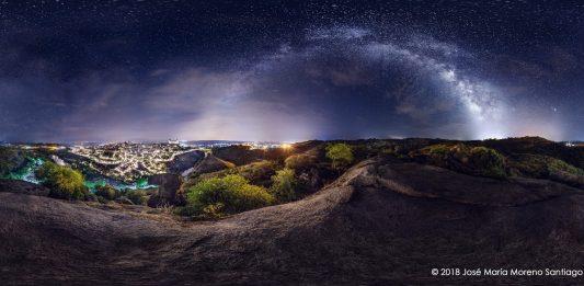 Vía Láctea sobre Toledo. Por José María Moreno Santiago