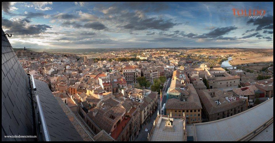 Panorámica de Toledo desde la Biblioteca del Alcázar