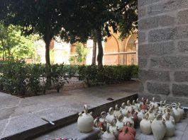 Botijos en el Claustro de la Catedral de Toledo