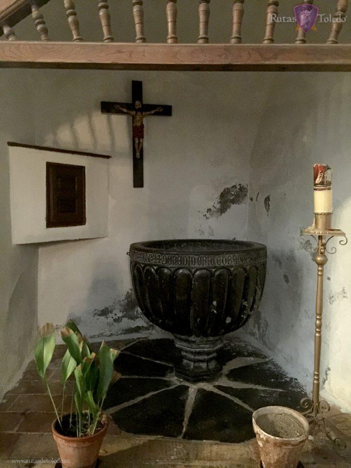 Pila bautismal de la Iglesia de San Miguel el Alto en Toledo