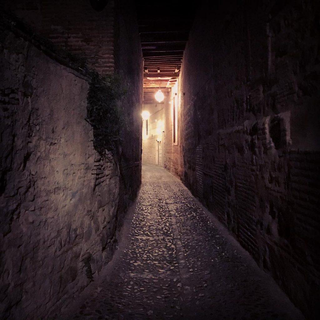 Cobertizo de Toledo, durante la noche