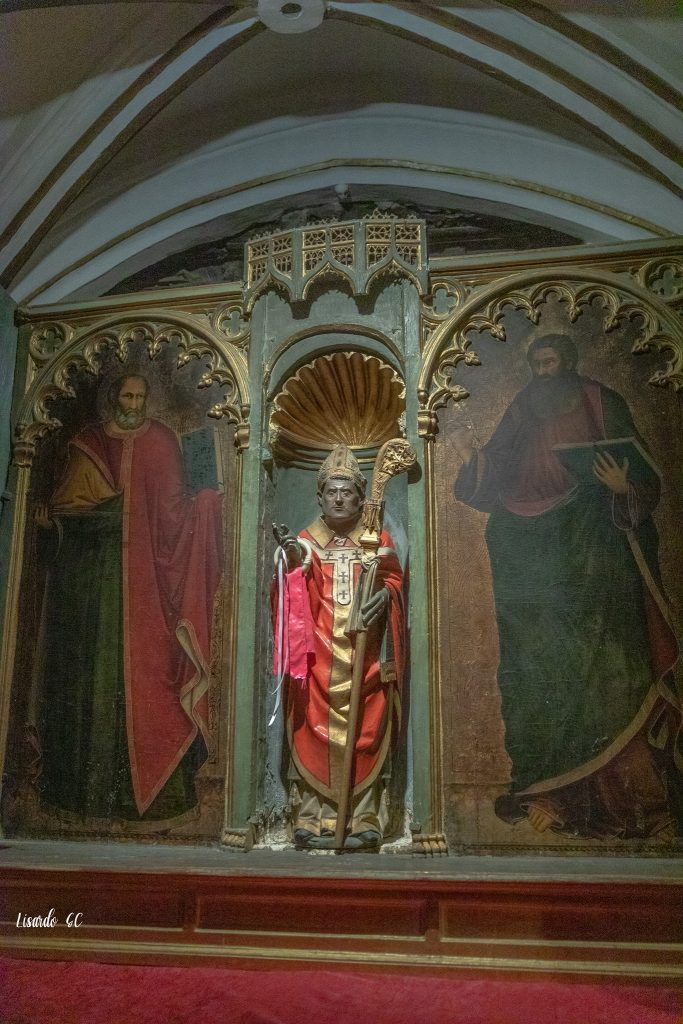 Cripta de la Catedral Primada. Tríptico del obispo san Julián: Anónimo. San Bartolomé: Antonio Veneziani. San Juan: Antonio Veneziani. ©SICP Foto: Lisardo Gómez