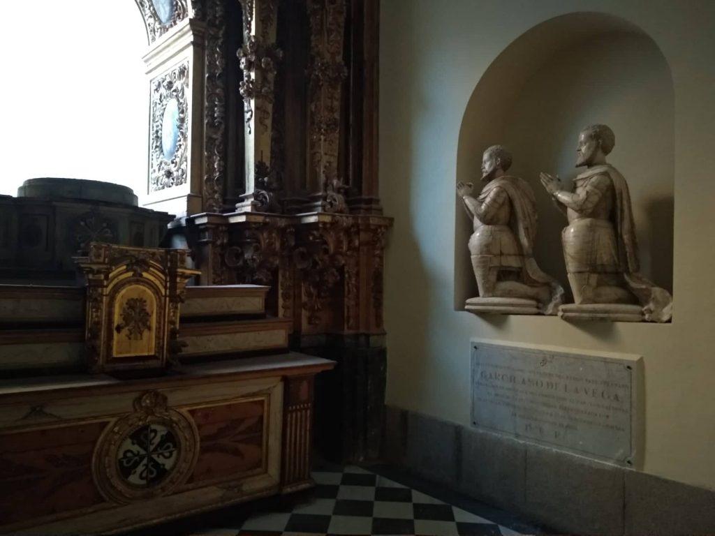 Sepulcro de Garcilaso de la Vega y su padre, en la Iglesia del Convento de San Pedro Mártir (Toledo)