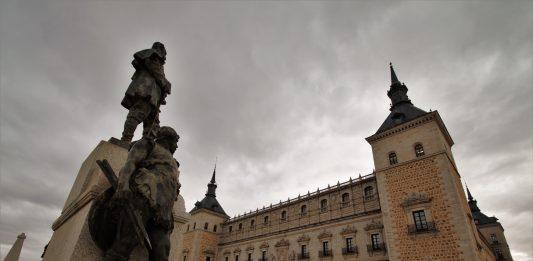 Explanada norte del Alcázar de Toledo
