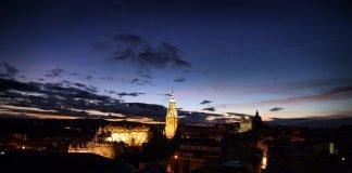 Vista nocturna de Toledo desde el Alcázar