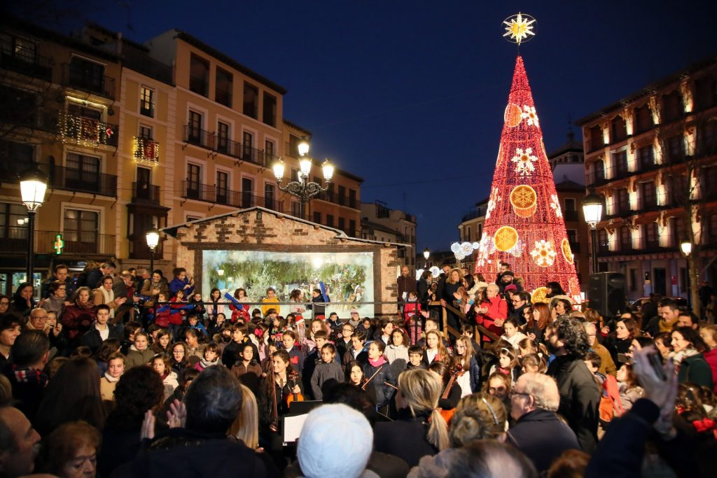 En el 2018, numeroso público asistió a la inauguración de los Belenes de Toledo. Foto: Ayuntamiento de Toledo.