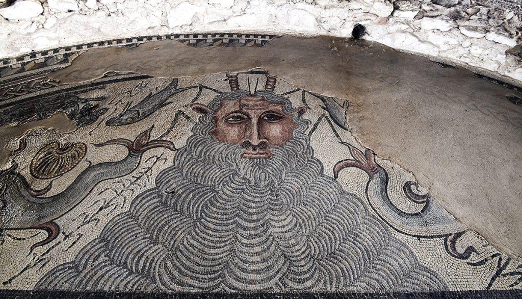 Mosaico del Dios Océano en la casa de Materno del Parque Arqueológico de Carranque. Fuente: Cultura Castilla-La Mancha.