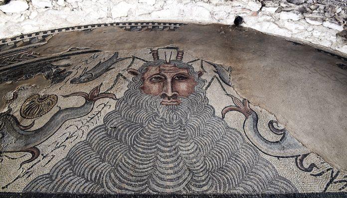 Mosaico del Dios Océano en el Parque Arqueológico de Carranque