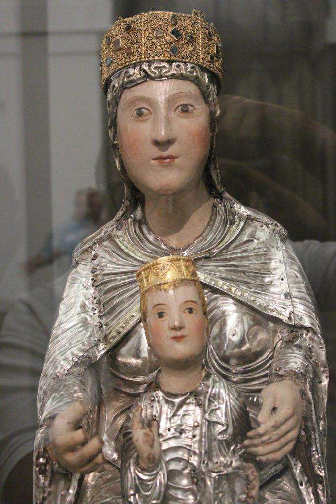 La Virgen María con Niño. Catedral de Toledo. Carlos Dueñas Rey.