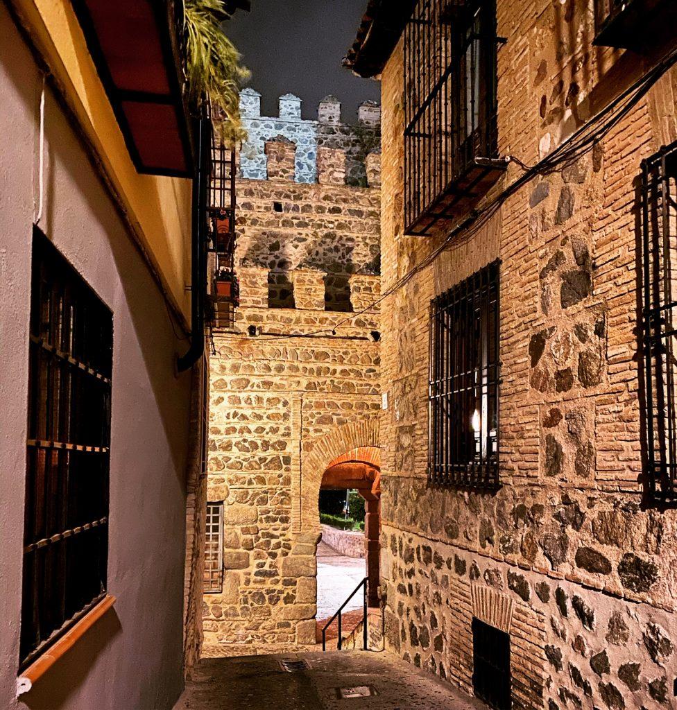 Interior de la Puerta de Alfonso VI, en la actualidad.