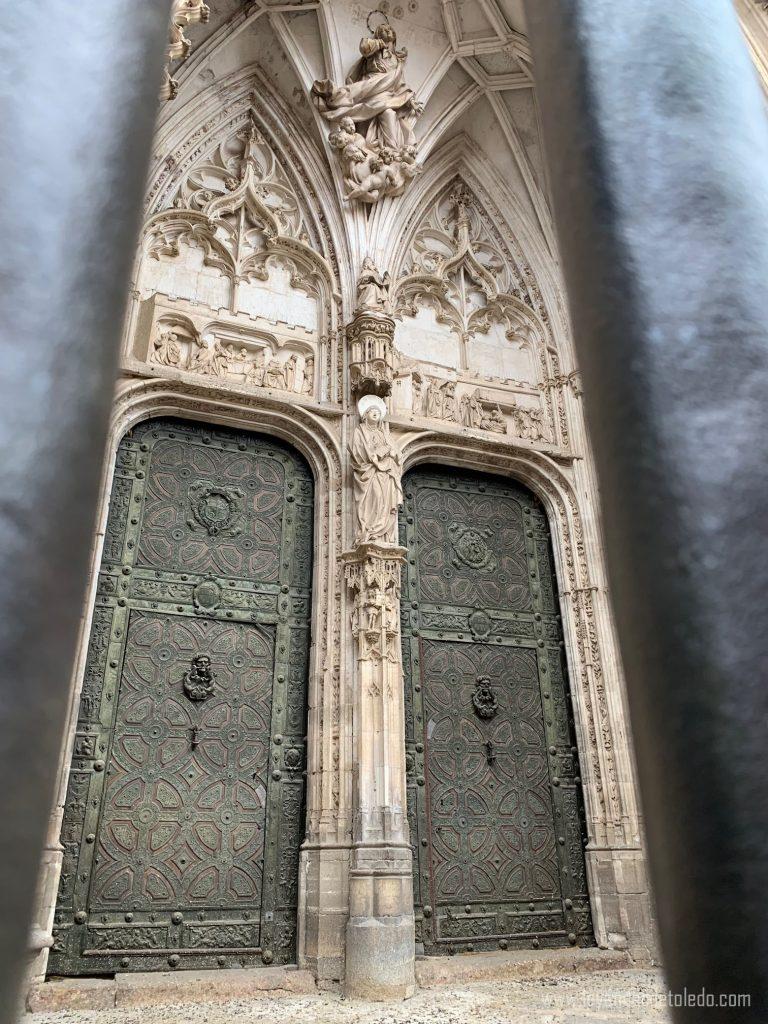Detalle de la Puerta de los Leones de la Catedral de Toledo