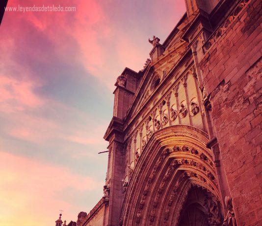 Puerta de los Leones, Catedral de Toledo, al atardecer