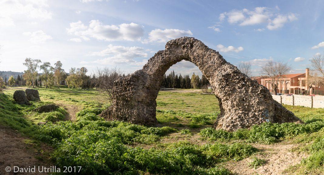 Uno de los arcos del Circo Romano de Toledo. Más fotos aquí (por David Utrilla)