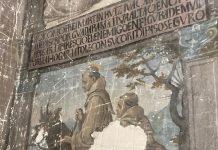 Fray Martín Ruiz, sobre el mulo transformado en Diablo cruzando el río Guadarrama, capturado con su cordón. Pintura en la iglesia conventual de las Concepcionistas en Toledo (25/08/20), oculta en el confesionario.