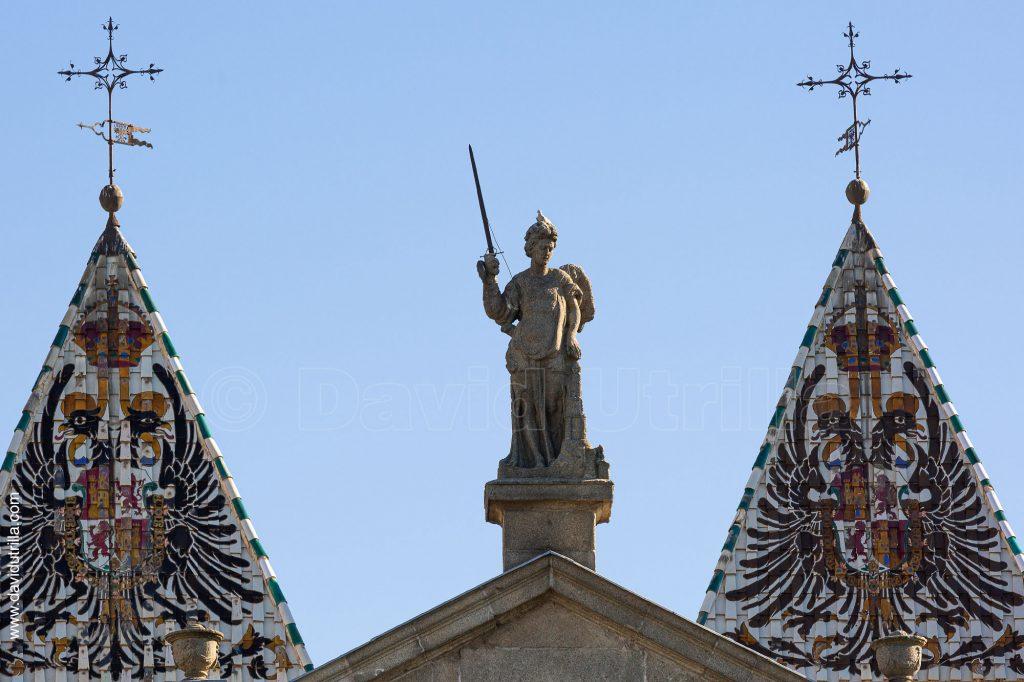 Ángel de la Puerta de Bisagra, por David Utrilla
