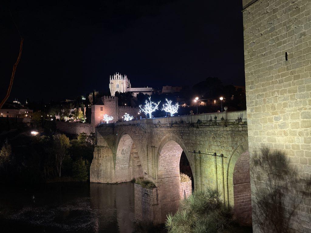 Puente de San Martín, decoración Navidad 2020 en Toledo