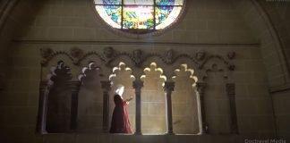 """Recreación de un paseo de la reina Isabel I por la Catedral de Toledo. Fuente: """"La Catedral de Toledo Un Misterio de Luz"""", por Fran Fernández."""