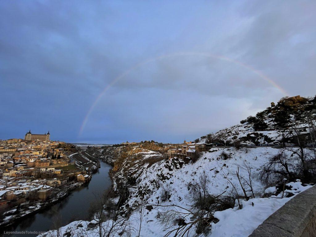 Toledo, nieve y arcoíris. Juan Luis Alonso, 20/01/2021 desde el Valle