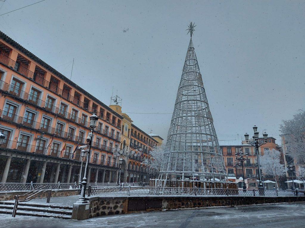 Plaza de Zocodover bajo la Nieve. Foto: Amparo a las 12:00 del 7/1/21