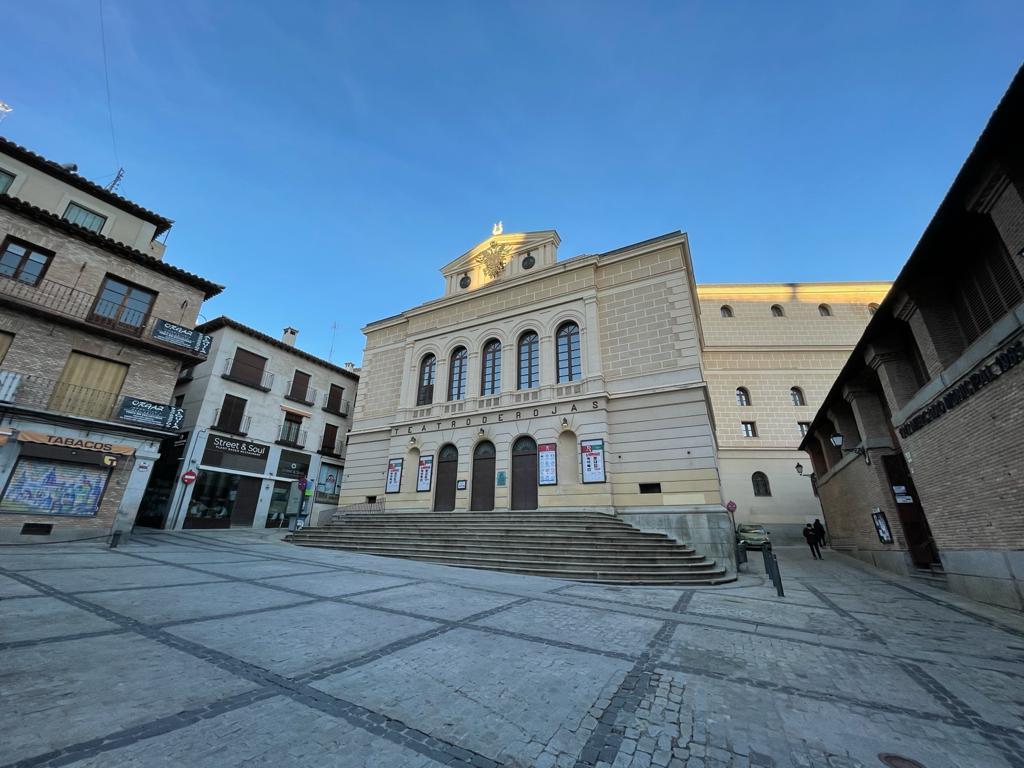 Plaza Mayor de Toledo con el Teatro de Rojas
