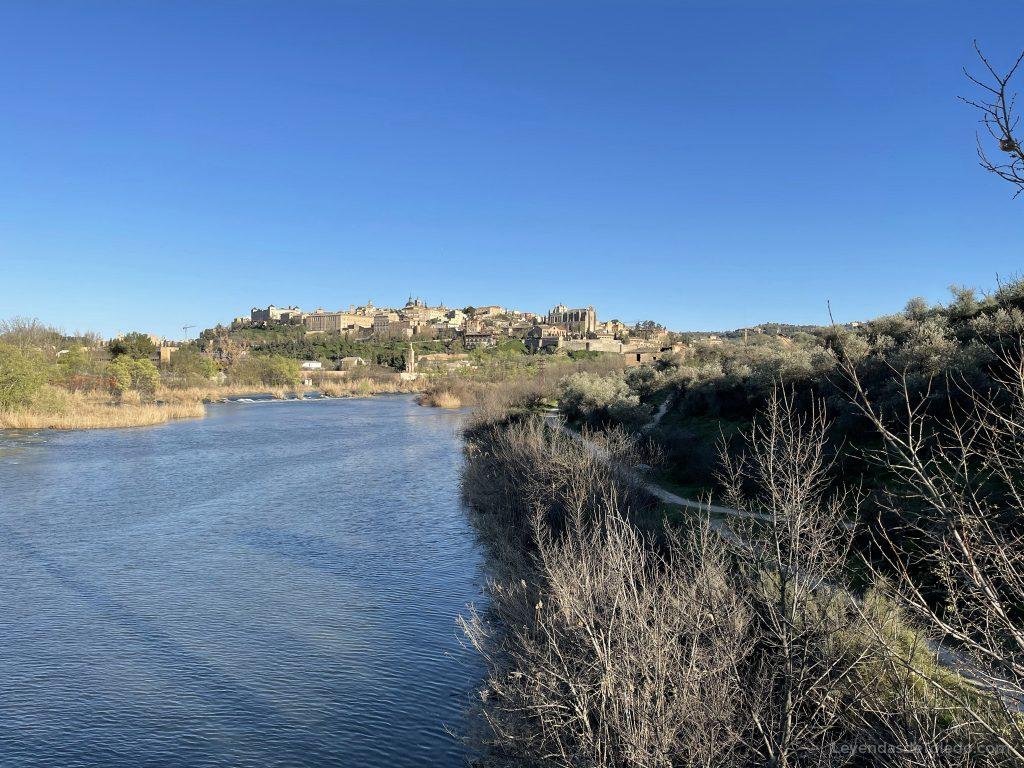 Vistas de Toledo desde el Río Tajo