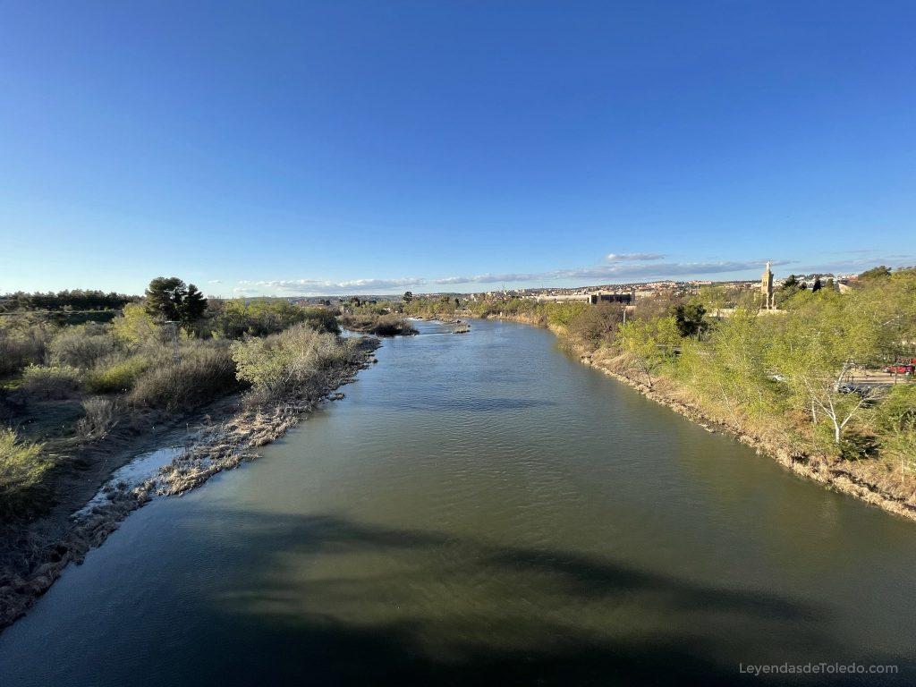 Río Tajo desde el Puente de la Cava en Toledo