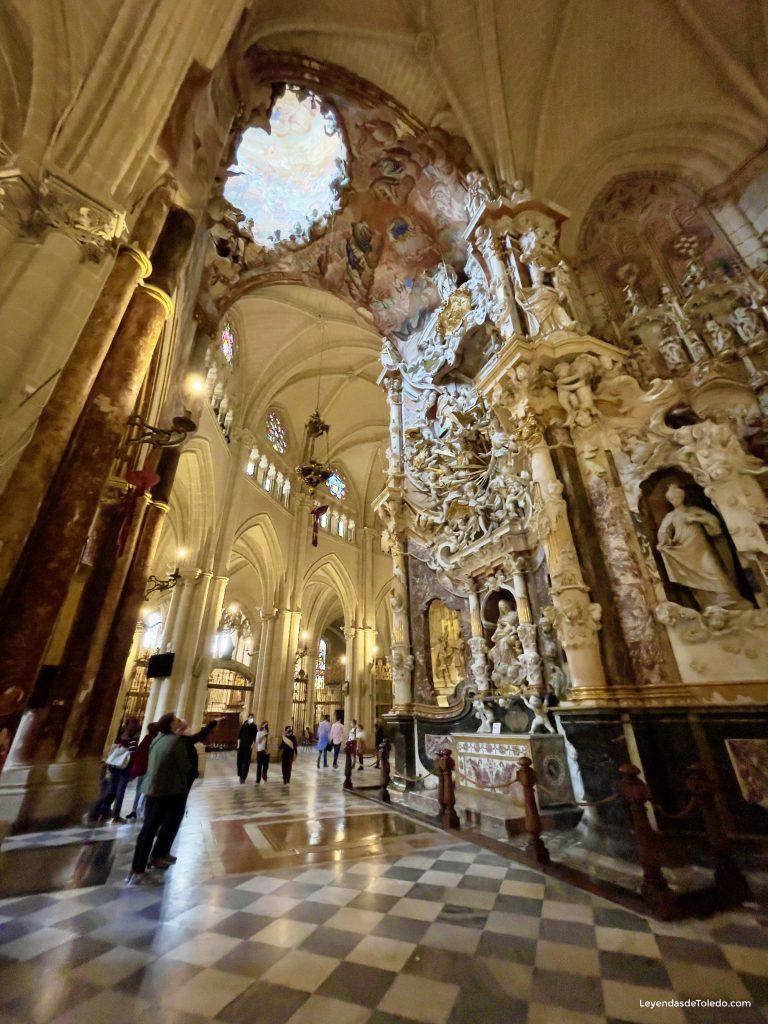 Girola de la Catedral y Transparente.