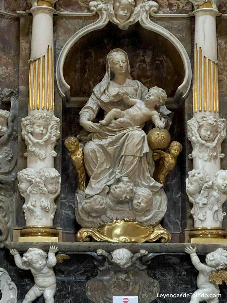 """Virgen """"de la Buena Leche"""" en el Transparente de la Catedral de Toledo"""